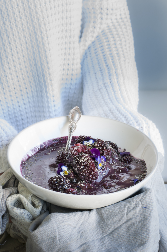 Blueberry & Blackberry Smoothie Bowl