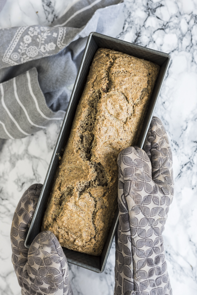 Paleo Almond Flour Bread by Healthy Laura. My almond flour paleo bread recipe that is perfect for sandwich recipes. It's my favorite healthy paleo almond meal, breakfast or brunch.
