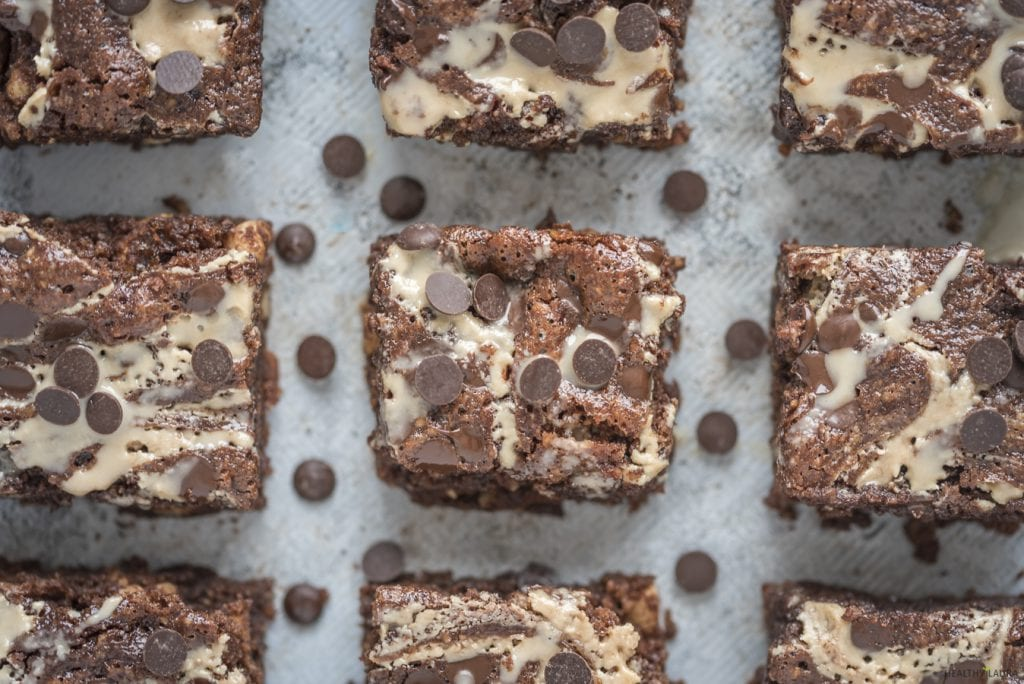 Paleo Flourless Brownies by Healthy Laura Food Photography. HealthyLaura @healthylauracom chocolate dairy free healthy marble brownies with tahini and chocolate chips. It's an easy dairy free recipes vegan, quick healthy no bake vegan, easy paleo brownie, gluten-free, grain free sweet treat with honey or maple syrup. #paleobrownies #tahinibrownies #marblebrownies #flourlessbrownies #healthybrownies